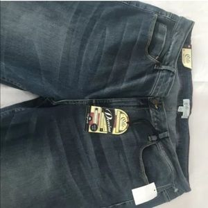 CELLO JEANS DISTRESSED , VINTAGE WASHED Sz 22 NEW!
